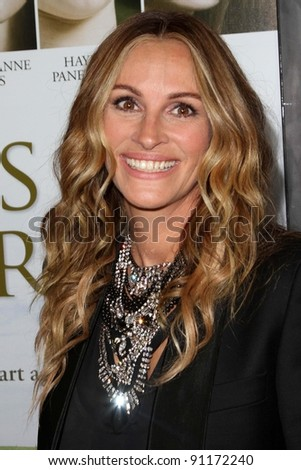 "Julia Roberts at the  ""Fireflies In The Garden"" Film Premiere, Pacific Theaters, Los Angeles, CA 10-12-11"
