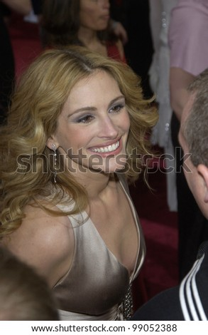 JULIA ROBERTS at the 76th Annual Academy Awards in Hollywood. February 29, 2004