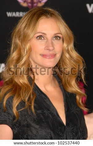 """Julia Roberts at the """"Valentine's Day"""" World Premiere, Chinese Theater, Hollywood, CA. 02-08-10 - stock photo"""