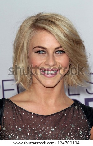 Julianne Hough at the 2013 People's Choice Awards Arrivals, Nokia Theater, Los Angeles, CA 01-09-13