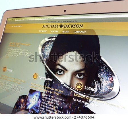 KAMBERK, CZECH REPUBLIC - May 4, 2015: Photo of official website Michael Jackson on a MacBook Air monitor. - stock photo