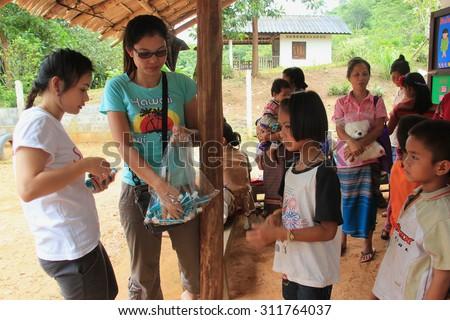 thai flagga gratis poor