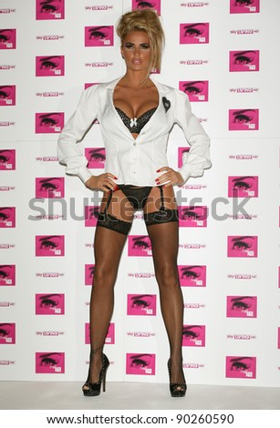 katie-price-attending-the-photocall-for-her-new-show-sighned-by-katie ...