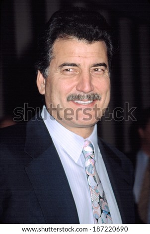 Keith Hernandez at FIELD OF DREAMS gala, NY 11/6/2002