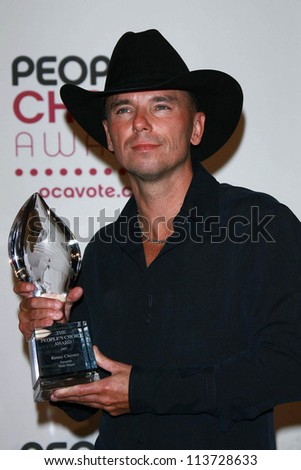Kenny Chesney in the press room at The 33rd Annual People's Choice Awards. Shrine Auditorium, Los Angeles, CA. 01-09-07