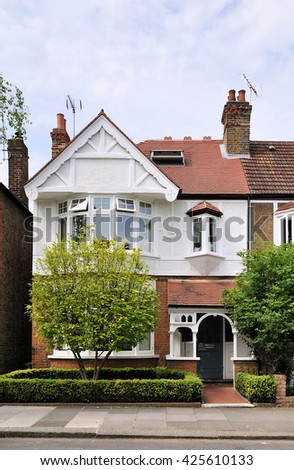 KEW LONDON MAY 7 2016 Semi Stock Photo Royalty Free 425610133