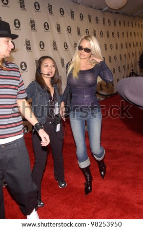 KID ROCK & PAMELA ANDERSON at the VH-1 Big in 2002 Awards in Los Angeles. 04DEC2002   Paul Smith / Featureflash - stock photo