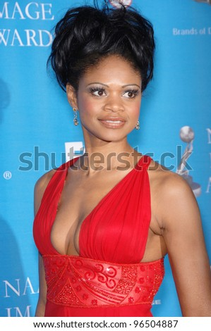 KIMBERLY ELISE at the 37th Annual NAACP Image Awards at the Shrine Auditorium, Los Angeles. February 25, 2006  Los Angeles, CA  2006 Paul Smith / Featureflash