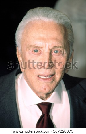 Kirk Douglas at premiere of IT RUNS IN THE FAMILY, NY 4/13/2003