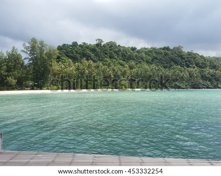 Ko Kut  is a district (Amphoe) of Trat Province, eastern Thailand, consisting of a group of islands. With a population of about 2000 it is the district with the lowest population of all Thailand. - stock photo