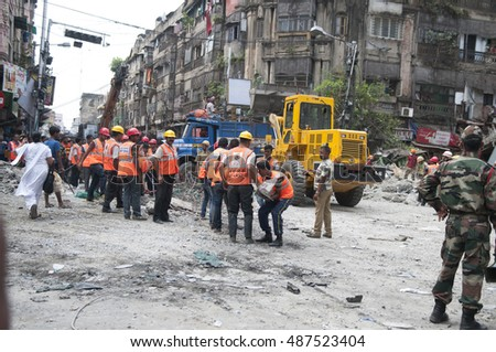 KOLKATA - APRIL 1: Indian army and rescue workers at the site during the rescue effort after an under construction flyover collapsed killing 27 people on April 1, 2016 in Kolkata, India.