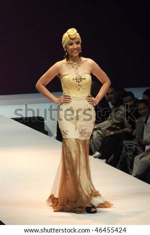 Azura couture fashion designer 39