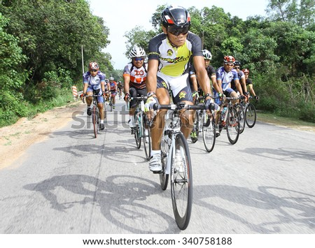 Kuantan, 7 July 2015 : KUANTAN160 is an open road cycling event covering 160km around the city of Kuantan and Pekan. More than 1900 cyclists participated with more than 400 international riders.