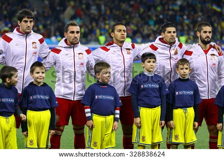 Hilo de la selección de España Stock-photo-kyiv-ukraine-october-players-of-national-football-team-of-spain-sing-national-anthem-328838624
