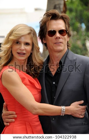 Kyra Sedgwick and Kevin Bacon  at the ceremony honoring Kyra Sedgwick with a star on the Hollywood Walk of Fame. Hollywood Boulevard, Hollywood, CA. 06-08-09