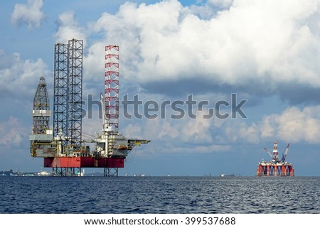 LABUAN FT, MALAYSIA - Sept 9, 2014.The Shelf Explorer drilling rig is being returned to the Labuan sea. Oil and Rig industry in Labuan FT is going slowly due to economic global crisis.