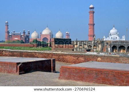 LAHORE, PAKISTAN â?? APRIL 4 2015: Badshahi Mosque is the second largest mosque in Pakistan and the fifth largest mosque in the world.It was built between 1671 and 1673.  - stock photo