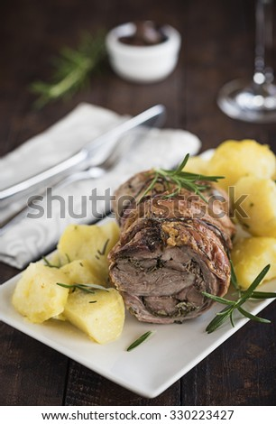 Lamb roll with potatoes and herbs