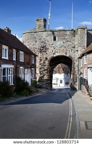 Landgate This ancient monument was built in 1329 when Edward the Third supplied grants for fortifying the town.  Rye, East Sussex - stock photo