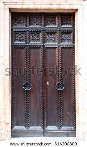Large Wooden Door Stock Images, Royalty-Free Images & Vectors ...