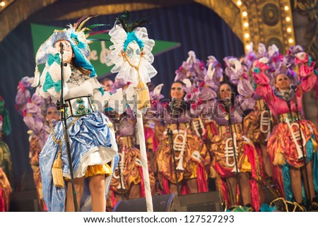 LAS PALMAS , SPAIN - FEBRUARY 5: Unidentified members from Las Traviesas, from Canary Islands, performing during the Murgas Contest on February 5, 2013 in Las Palmas, Spain