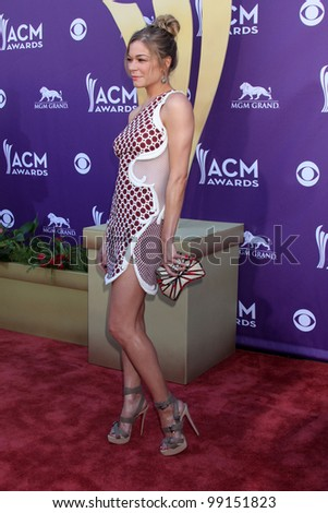 LAS VEGAS - APR 1:  Leann Rimes arrives at the 2012 Academy of Country Music Awards at MGM Grand Garden Arena on April 1, 2012 in Las Vegas, NV.