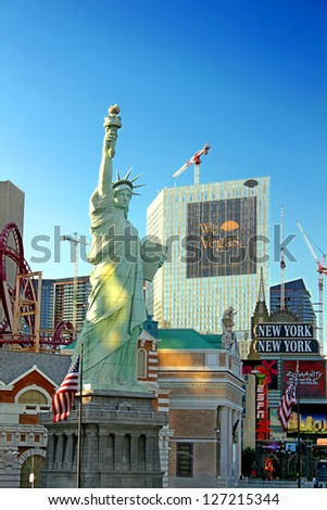 LAS VEGAS - AUGUST 19: New York New York Hotel and Casino on August 19, 2009 in Las Vegas.  The architecture is made to resemble the skyline of New York City. - stock photo