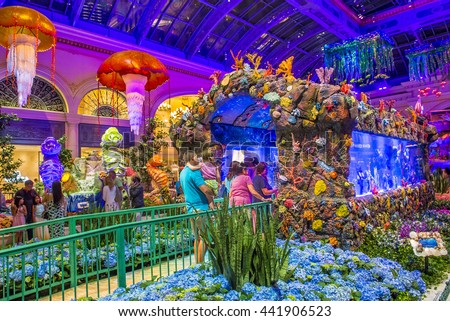 LAS VEGAS   JUNE 14 : Summer Season In Bellagio Hotel Conservatory U0026 Botanical  Gardens On