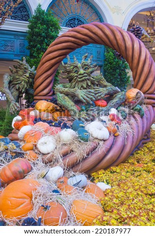 LAS VEGAS - SEP 18 : Fall season in Bellagio Hotel Conservatory & Botanical Gardens on September 18, 2014 in Las Vegas. There are five seasonal themes that the Conservatory undergoes each year.