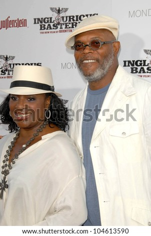 LaTanya Richardson and Samuel L. Jackson at the Los Angeles Premiere of 'Inglourious Basterds'. Grauman's Chinese Theatre, Hollywood, CA. 08-10-09 - stock photo