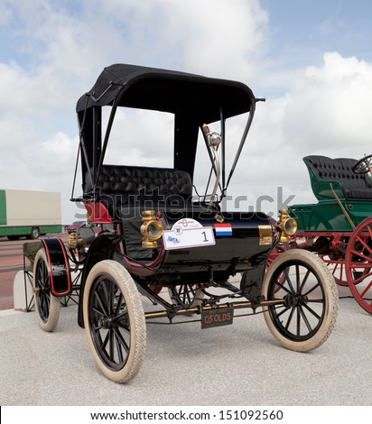 LELYSTAD - JUNE 16: 1903 Oldsmobile Curved Dash Runabout is on display at the annual National Oldtimer day on June 16, 2013 in Lelystad, The Netherlands - stock photo