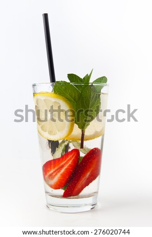 lemonade with strawberries and mint