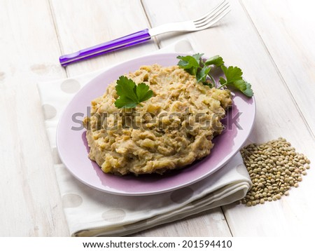 lentils puree with parsley