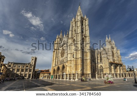 LEON, SPAIN - OCTOBER 7, 2011: Square Plaza Regla with magnificent gothic cathedral of Leon