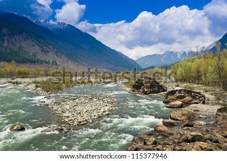 Lidder River Flowing Through Pahalgam Valley Stock Photo ...