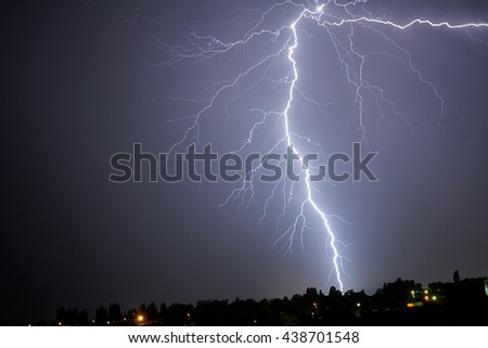 Lightning bolt night
