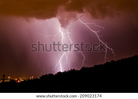 Lightning climbing the Mountain
