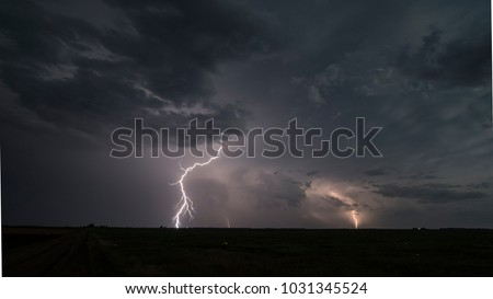 Lightning Storm near Pratt, Kansas, 17 June 2017