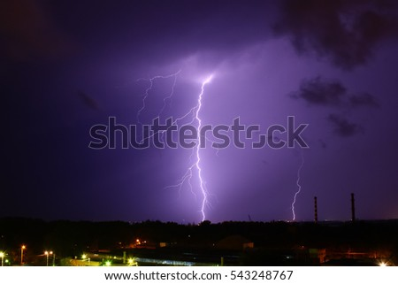 Lightning strike in the city
