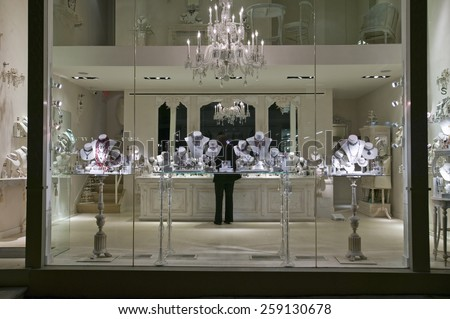 Rome italy 17 october 2016 burberry stock photo 527704816 for Jewelry stores in new york ny