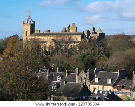 Linlithgow, West Lothian, Scotland.  The buildings on the skyline are Linlithgow Palace and St Michaels Church with its modern replacement steeple.