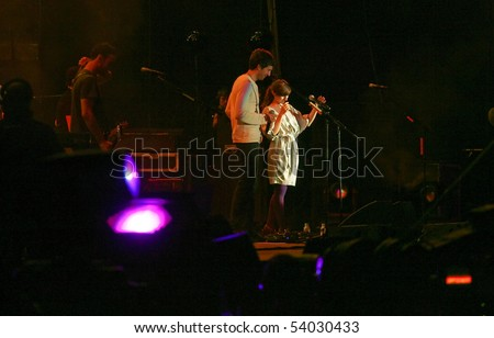 LISBON, PORTUGAL - MAY 27: Snow Patrol and Rita Redshoes performing on main stage on Rock in Rio - Lisboa May 27, 2010 in Lisbon, Portugal