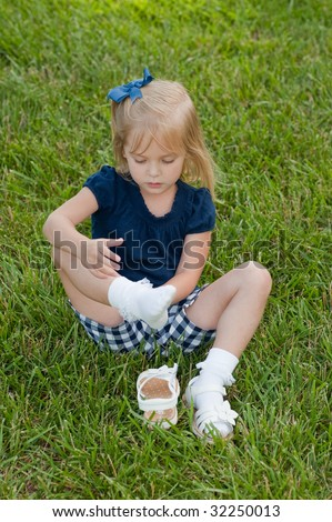 Kids Taking Shoes Off Clipart