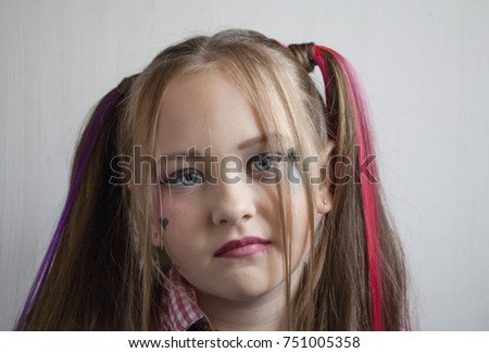 little girl with vintage make-up