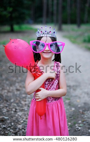 Little princess celebrate Happy Birthday  in the park