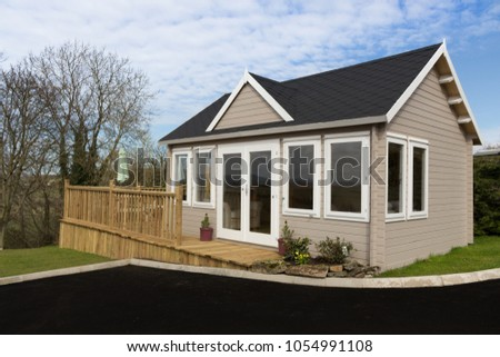 Cabin stock images royalty free images vectors for Log cabin sunrooms