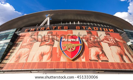 Arsenal fc taps cashbet as exclusive blockchain and for Emirates stadium mural