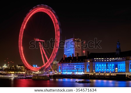 LONDON - DEC 20 : View of the London Eye at Night in London on Dec 20, 2015
