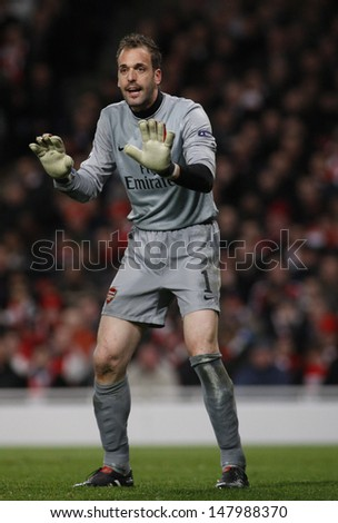 LONDON, ENGLAND. 31/03/2010. Arsenal Goalkeeper Manuel Almunia  in action during the  UEFA Champions League quarter-final between Arsenal and Barcelona at the Emirates Stadium - stock photo