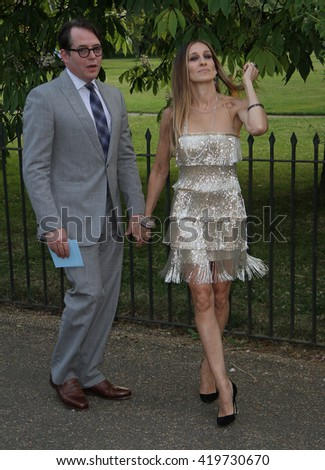 LONDON - JUN 26, 2013: Matthew Broderick and Sarah Jessica Parker attend the annual Serpentine Gallery summer party on Jun 26, 2013 in London